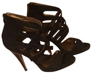 Twelfth St. by Cynthia Vincent Black Pumps