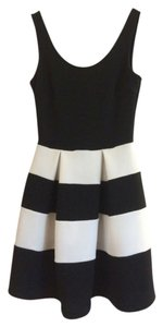 Soprano short dress Black/white Day A-line Striped Sleeveless on Tradesy
