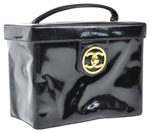 Chanel Auth CHANEL Quilted CC Logos Cosmetic Hand Bag BK Patent Leather Vintage LP04280