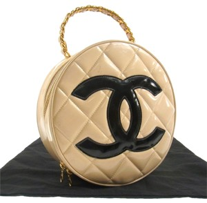 Chanel Auth CHANEL Quilted Jumbo XL CC Logos Chain Hand Bag Beige Patent Leather LP1112