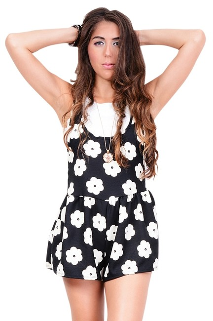 Preload https://item3.tradesy.com/images/2-love-one-daisy-romper-bubble-rompers-jumpsuits-1070187-0-0.jpg?width=400&height=650