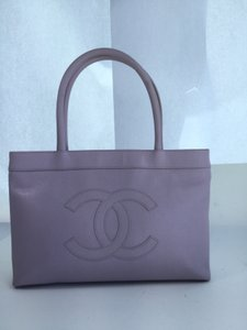 4e204635cc0e63 Chanel Medallion Caviar Pink Tote in Light Purple