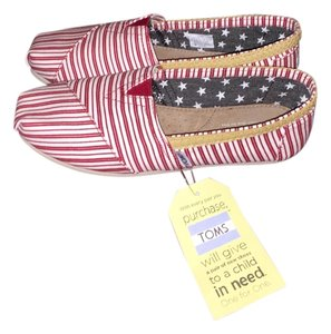 TOMS Red and white Flats
