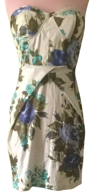 Preload https://item2.tradesy.com/images/forever-21-blue-white-sale-all-items-mini-night-out-dress-size-8-m-1070506-0-0.jpg?width=400&height=650
