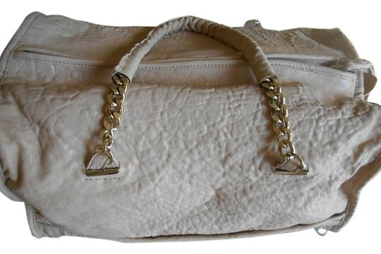 Preload https://img-static.tradesy.com/item/1070656/tre-vero-bag-satchel-creamoff-white-1070656-0-0-540-540.jpg