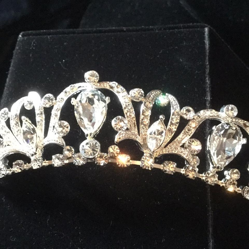 Bel aire bridal silver clear rhinestones tiara tradesy for Bel aire bridal jewelry