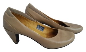 Tsubo Work Classic Leather Nude, Beige Pumps