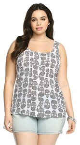 Torrid New W/ Tags 2x 18/20 Top Skull White