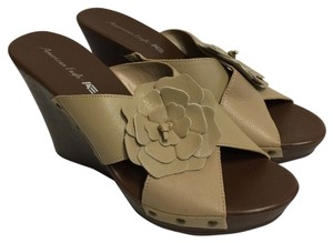 American Eagle Outfitters Wedge Sandal Wedges