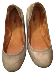Lucky Brand Pewter Flats