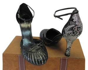 Bonnibel Size 7.00 M Very Good Condition Black, Silver Formal