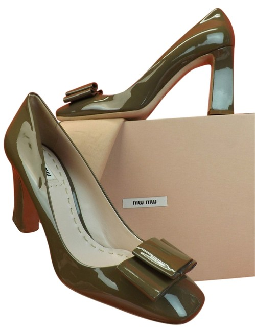 Item - Green Patent Clay Pastel Leather Bow Sculptured 8 Pumps Size EU 38.5 (Approx. US 8.5) Regular (M, B)