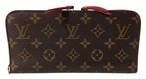 Louis Vuitton Authentic Louis Vuitton Insolite Wallet. Monogram