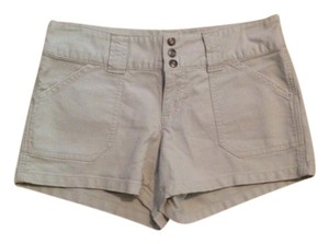 Old Navy Stonewash Mini/Short Shorts Off white