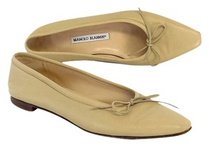 Manolo Blahnik Beige Leather Bow Flats