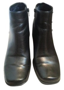 Liz Claiborne Square Toe Chunky Heel Pennie Black Boots