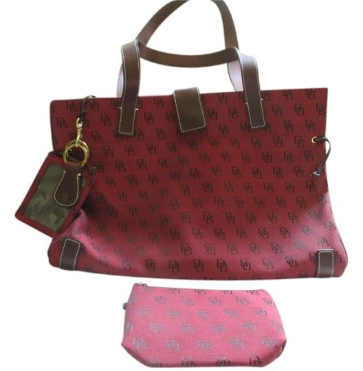 Preload https://item2.tradesy.com/images/dooney-and-bourke-tote-bag-red-1073771-0-0.jpg?width=440&height=440