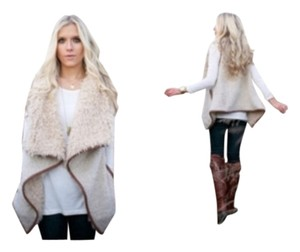Love Tree Sherpa Faux Fur Cozy Vest