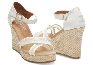 TOMS Cream Lace Wedges Size US 7 Regular (M, B)