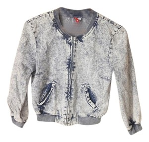 0ceec1966 Women's H&M Denim Jackets - Up to 90% off at Tradesy
