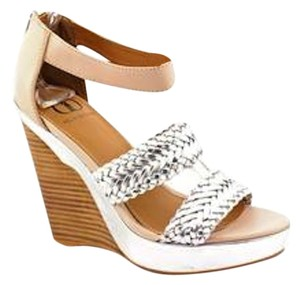 Kelsi Dagger Wedges New silver Platforms