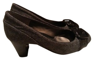 Bandolino Tweed Grey Buckle Black and Gray Pumps