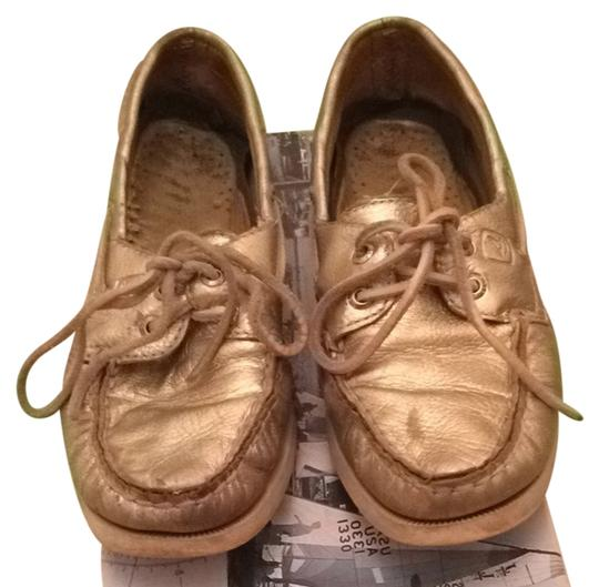 Preload https://item4.tradesy.com/images/sperry-gold-flats-size-us-6-regular-m-b-1075858-0-0.jpg?width=440&height=440