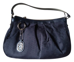 e81626409fd6 Black Gucci Hobo Bags - Up to 90% off at Tradesy