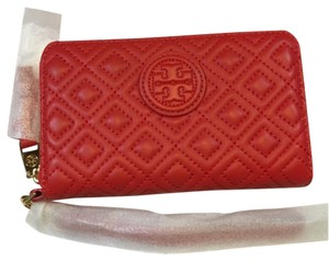 Tory Burch Red Marion Quilted Smartphone Masaai Leather Wristlet ... : quilted wristlet - Adamdwight.com