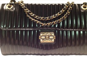 Chanel Vintage Glossed Leather Brass Tone Hardware Cc Puch Lock Closure Chain Link Strap Shoulder Bag