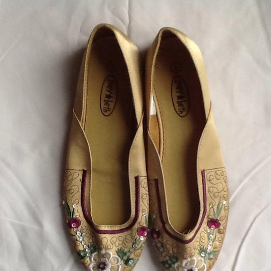 Zoey & Beth Gold Flats