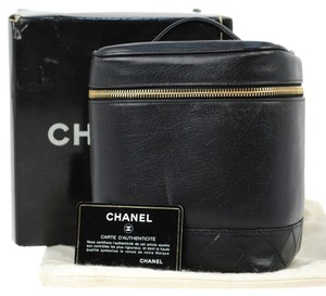 Chanel Auth CHANEL Quilted Vanity Cosmetic Hand Bag BK Leather Vintage Italy LP11386