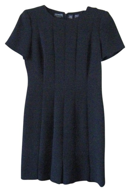 Preload https://img-static.tradesy.com/item/107747/liz-claiborne-black-cocktail-knee-length-night-out-dress-size-petite-6-s-0-0-650-650.jpg