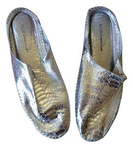 BCBGeneration Silver Flats