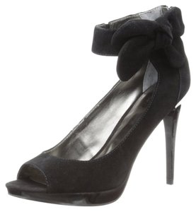Carlos by Carlos Santana Dress Heel Black Pumps