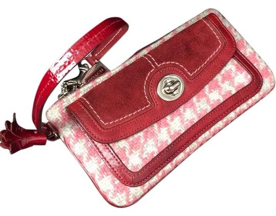 Preload https://img-static.tradesy.com/item/10779034/coach-pink-and-maroon-leather-wool-wristlet-0-1-540-540.jpg