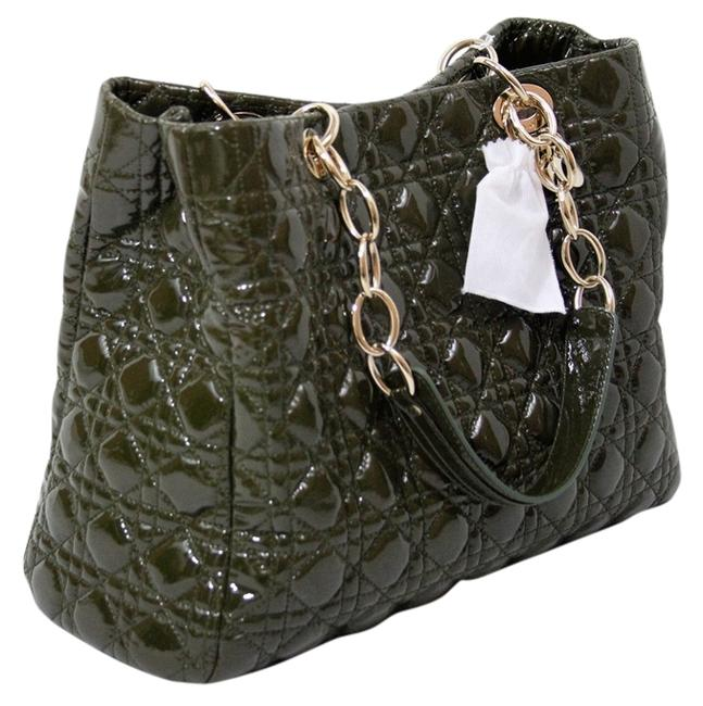 Item - Lady Cannage Quilted Chain Khaki Olive Green Patent Leather Shoulder Bag