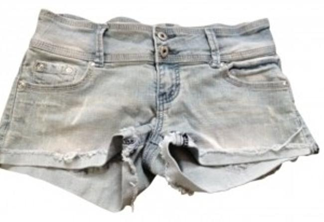 Preload https://item4.tradesy.com/images/rue-21-cut-off-shorts-size-6-s-28-10788-0-0.jpg?width=400&height=650