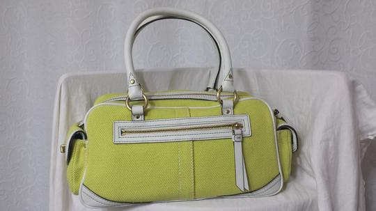 Coach Satchel in LIME/WHT