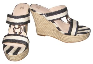 Victoria's Secret Summer Fun Sexy Black Tan Opoen Toe Tan Black Sandals