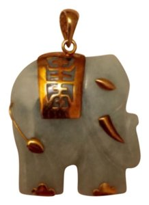 Vintage 14K Yellow Gold Pale Green Jade Elephant Oriental Symbol Pendant (Charm Only) Tailhorn Eye