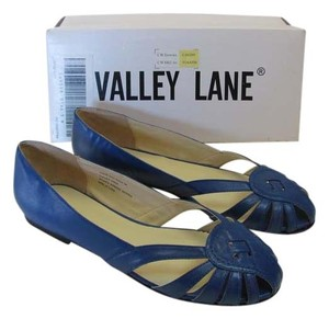 Valley Lane Size 9.00 M Leather New Excellent Condition Blue, Flats