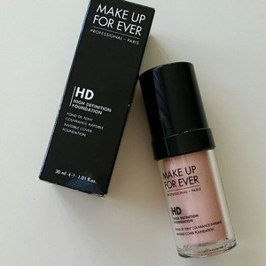 MAKE UP FOR EVER MAKE UP FOR EVER HD Invisible Cover Foundation N107 Pink