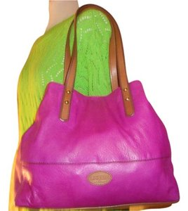 Fossil Tote in Magenta