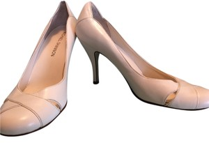 Other Michael Shannon Ivory Leather Pumps