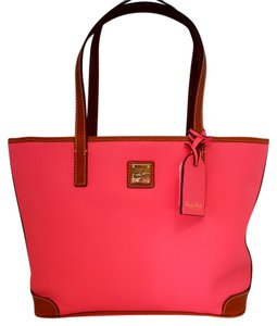 Dooney & Bourke Outer Zip Pocket Tote in pink