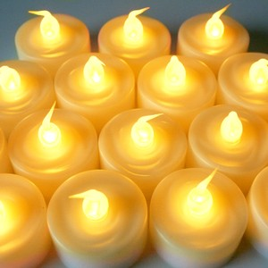 Warm Amber Flickering Flameless Led Tea Lights Votive/Candle