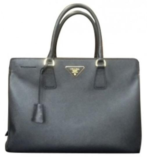 Prada Tote in Nero/black