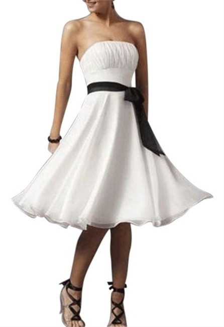 White Strapless Chiffon Pleated Bust W/ Sash Short Cocktail Dress Size 20 (Plus 1x) White Strapless Chiffon Pleated Bust W/ Sash Short Cocktail Dress Size 20 (Plus 1x) Image 1