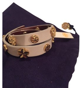 Tory Burch Tory Burch Flower Double Wrapped Bracelet